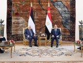 """السيسى لـ""""أبو مازن"""": موقف مصر """"ثابت"""" من إقامة دولة فلسطينية ذات سيادة"""