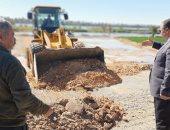 حملة مكبرة لإزالة التعديات على الأراضى الزراعية بقرية بصرة بأسيوط.. صور