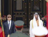 فيديو.. محمد بن زايد يستقبل الرئيس الموريتانى
