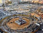 صور.. تركيب أول أجزاء من مسلة الملك رمسيس الثانى فى ميدان التحرير