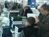 الداعية مصطفى حسنى يحتفى بحصيلة زيارته لمعرض الكتاب عبر تويتر