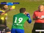 اضحك مع الحكام.. مبروك يستأنف المباراة بعد نهايتها ومعروف نسى الكروت