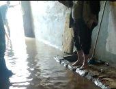 قارئ يشارك بصور استجابة المياه لأزمة كسر ماسورة رئيسية بشبين القناطر وتصليحها