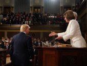 بيلوسى عن رفض ترامب مصافحتها: لن يتوقف الديمقراطيون عن مد يد الصداقة