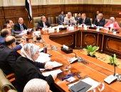 """""""محلية البرلمان"""" توصى بحل مشكلة الباعة الجائلين ورد الشىء لأصله فى الطرق"""