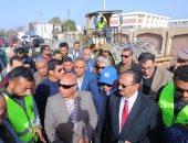 وزير النقل يشهد انطلاق مشروع إعادة رصف وتطوير الطرق المحلية فى 12 محافطة