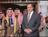 صور.. الرئيس الجزائرى يستقبل وزير الخارجية السعودى