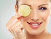 وصفات طبيعية بالليمون لترطيب الجلد وعلاج حب الشباب.. بيهدى الأعصاب والبشرة