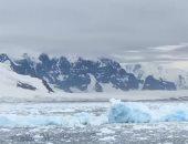 شاهد.. لحظة انفصال جبل جليدى هائل في أنتاركتيكا