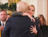 """""""بحبك يا بابا"""".. إيفانكا ترامب تحتفل ببراءة والدها.. صور"""