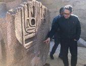 صور.. وزير السياحة يتفقد أعمال مشروع الهوية البصرية بمعابد الأقصر والكرنك