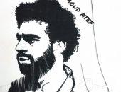 """""""محمود """" يستخدم الملح والشاى والخيوط فى رسم لوحاته الفنية"""