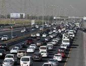 الكويت تحظر إصدار رخص قيادة جديدة للطلبة والممرّضين الوافدين بسبب الزحام