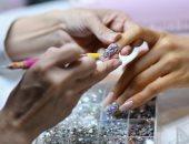 مهاجرة كمبودية بأمريكا تحول تقليم الأظافر لفن يرتقى لتصميم المجوهرات.. صور