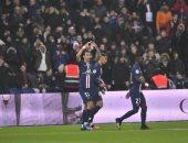 هدف كوميدي لباريس سان جيرمان ضد ليون في الدوري الفرنسي.. فيديو