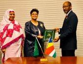 نائب رئيس سيشل يوقع علي  إتفاقية الوكالة الأفريقية للدواء