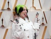 مجنونة بس كيوت.. شاهد بيلي إيليش تخطف الأنظار على السجادة الحمراء بـ Oscars 2020