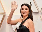 """""""بفضل Chanel"""".. بينلوب كروز الأكثر أناقة على السجادة الحمراء بحفل Oscars 2020"""
