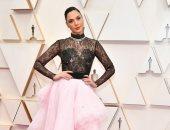 من هنا اختارت جال جادوت تصميم فستانها من أجل حضور حفل الاوسكار 2020 .. صور