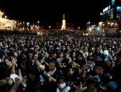 آلاف التايلانديين يشعلون شموعا لتأبين ضحايا جريمة القتل العشوائى