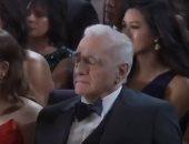 """فيديو.. مارتن سكروسيزى """"على وشك النوم"""" خلال تقديم إيمينم أغنية حفل الأوسكار"""
