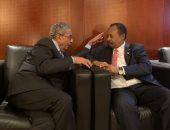 عمرو موسى يجتمع مع رئيس وزراء السودان على هامش القمة الأفريقية