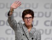 وزيرة الدفاع الألمانية تحذر الأوروبيين من الانفصال عن الناتو