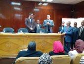 صور.. رئيس جامعة بنها يفتتح دورات تدريب جائزة مصر للتميز الحكومى