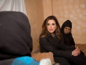 الأردن..الملكة رانيا تلتقى المستفيدين من برامج جمعية الذرة الخيرية