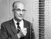10 معلومات عن عالم الفيزياء وليام برادفورد مخترع الترانزيستور بذكرى مولده