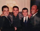 صورة نادرة تجمع خالد الغندور مع إيهاب توفيق وطلعت زين وعامر منيب
