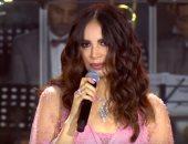 """آمال ماهر تفاجئ جمهورها بأغنية """"أنت وحدك"""".. وأيمن بهجت: صوت مصرى فخيم"""