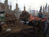 صور.. البيئة تزيل 15 مكمورة فحم وتصادر 10أطنان أخشاب مجهزة للحرق بكفر الشيخ