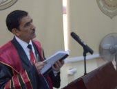 جامعة سوهاج تمنح باحثا يمنيا الدكتوراه فى علوم الإحصاء الرياضى.. صور