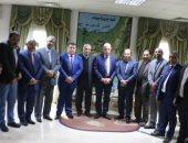 محافظ جنوب سيناء يستعرض مراحل تنفيذ مشروع دورات العمل الاداري