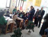 مدير تعليم الإسماعيلية لمديرى المدارس: نظافة الفصول والتوعية الصحية ضرورة