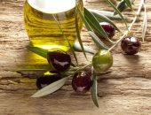 هل  يحتفظ زيت الزيتون بخصائصه الصحية عند استخدامه للطهى؟