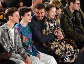 عائلة بيكهام تدعم فيكتوريا فى أسبوع الموضة بلندن.. صور
