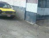 """""""سيبها علينا"""".. قارئ يناشد المسئولين رصف طريق أرض الكتان بالإسكندرية"""