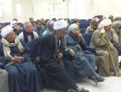 صور.. رئيس مدينة الزينية يناقش طلبات أسعار تقنين أراضى نجع جاد الكريم