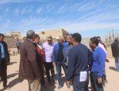 نائب وزير الإسكان للمشروعات القومية يتفقد مشروعات مدينة أسوان الجديدة