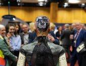 الروبوت صوفيا من الهند: كل الأشخاص هنا لرؤيتى ليبدأ وقت العرض