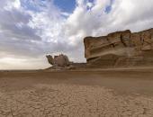 """""""صخرة الجمل"""" فى صحراء السعودية.. جمال لا تراه سوى من زاوية واحدة.. صور"""