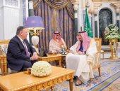 العاهل السعودى يستقبل وزير خارجية الأمريكى مايك بومبيو فى الرياض