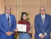 طالبة من جامعة المنصورة تحصل على المركز الرابع عالميا فى التصوير الجدارى