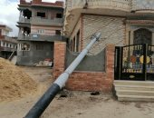 قارئ يشكو سقوط عامود كهرباء في عزبة الصياد بمحافظة البحيرة