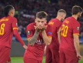 لاعبو روما الإيطالى يتنازلون عن رواتب 4 أشهر لمواجهة فيروس كورونا