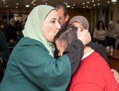 صور.. وزيرة التضامن: إعداد قاعدة بيانات لذوى الإعاقة من الصم وضعاف السمع