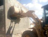 صور.. تنفيذ 23 إزالة لتعديات على أراضى الدولة بمركز الغنايم فى أسيوط