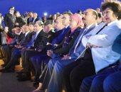 صور.. ختام مهرجان أسوان الدولى للثقافة والفنون بعروض أمام معبد أبو سمبل